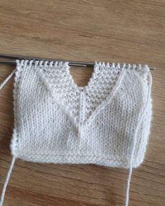 Baby Boy Knitting Patterns, Knitting Designs, Baby Knitting, Crochet Patterns, Crochet Blouse, Crochet Top, Knitted Jackets Women, Crochet Boarders, Knitting Basics