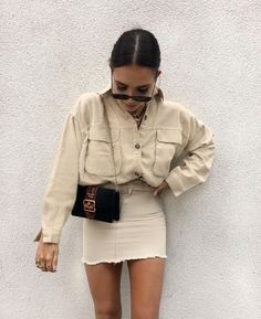 Matching beige skirt and shirt Cute Summer Outfits, Cute Casual Outfits, Fall Outfits, Casual Summer, Mode Outfits, Skirt Outfits, Beige Skirt Outfit, Outfit With Skirt, Skirt Fashion