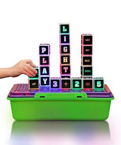 Combine and stack these blocks to make different words, sentences and equations with a little one. Encourage a love of reading, writing and arithmetic thanks to the different games that will engage any beginner or advanced pupil.