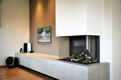 nice example of fireplace and art wall relating Open Plan Kitchen Living Room, Living Room Modern, Home Living Room, Living Spaces, Wall Units With Fireplace, Modern Fireplace, Fireplace Design, Fireplace Wall, Interior Stairs