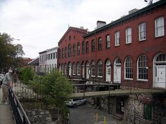 Factors Walk, lower floors which face River Street were used as warehousing, upper floors as offices