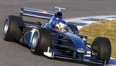 Jacques Villeneuve (BAR-Supertec V10, 001) tests the new 1999 car