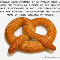 I'm dying to recreate the best pretzel I've EVER had (at the old DAP. Go Bulls. Orangeade and a pretzel and I'm good! Pretzel Day, Salted Pretzel, Pretzel Rods, Class Snacks, School Snacks, Homemade Soft Pretzels, Lenten, Food Facts, Germany