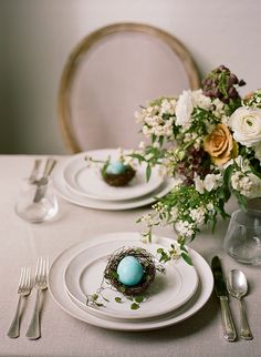 DIY calligraphy easter eggs from Glow Event Design, Christina McNeill, La Tavola Linen and Loop Flowers.