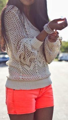 Street style | Crochet detail sweatshirt and neon mini short
