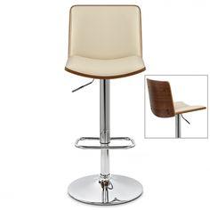 Chaise de bar design alliant à la perfection bois et faux cuir avec un piètement chromé. Profitez de notre livraison rapide et gratuite !