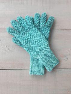 Купить Перчатки тёплые женские вязаные спицами Благородный изумруд в интернет магазине на Ярмарке Мастеров