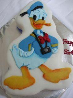 Coolest Donald Duck Birthday Cake 2