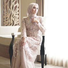 "887 Likes, 21 Comments - Ayu Dyah Andari (@ayudyahandari) on Instagram: ""Kesayangan @laudyacynthiabella wearing baju bodo custom by me. -----------------------------…"""