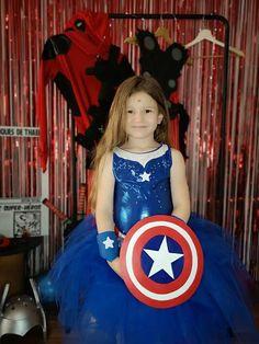 Organiser un anniversaire Marvel - SabrinaBerrich Captain Marvel, Captain America, Costume Thor, Deadpool, Anniversaire Harry Potter, Lets Celebrate, Diy Organization, Avengers, Marvel Heroes