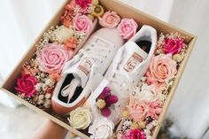 . . . . #flowers #liziday #flowergift #gift #koreaflower #koreanflorist #florist #flowerarrangement #flowerbox #handtied