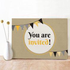 Stoere uitnodiging door Oktoberdots voor een verjaardag of ander feestje, ook voor volwassenen heel leuk te gebruiken!