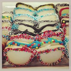 Girls can make these with my cookie cutters Edible Eyes, Doctor Party, Kids New Years Eve, Optometry Office, Eye Facts, Optical Shop, Wear Store, Eye Doctor, Fancy Cookies