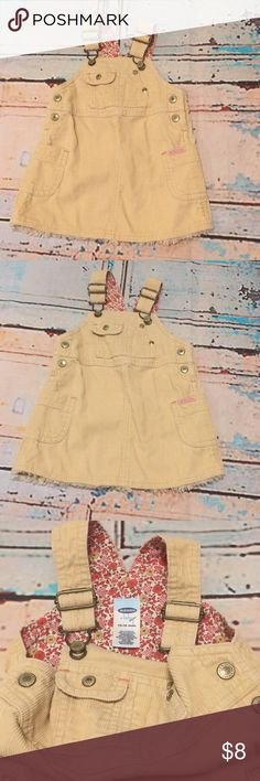 Old navy babygirl corduroy overalls dress 12-18Mos Old navy babygirl corduroy overalls frill dress 12-18Mos 100% cotton Old Navy Dresses Casual