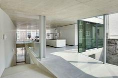 01_V' House_Wiel Arets_Stair樓梯_Concrete混凝土.jpg