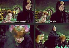 I love funny scenes like this in the HP movies. :)