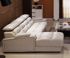 Белый угловой диван со встраиваемой музыкальной системой в подлокотник и настраиваемыми подголовниками можно купить https://lafred.ru/catalog/catalog/detail/44503848808/