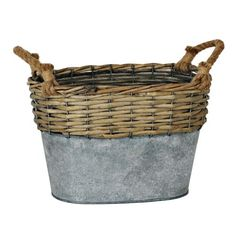 This Oval Galvanized Metal and Willow Basket looks industrial and natural. You'll love how well this stylish piece of storage fits in with your existing decor. Wood Basket, Metal Baskets, Basket Crafts, Coastal Bathrooms, Vintage Baskets, Metal Vase, Basket Decoration, Galvanized Metal, Basket Weaving