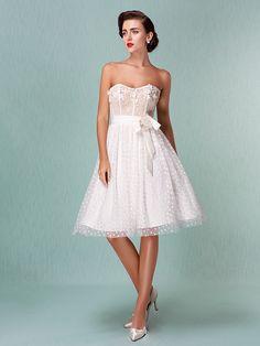 Lan Ting A-line/Princess Plus Sizes Wedding Dress - Ivory Knee-length Sweetheart Tulle - USD $99.99