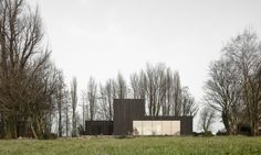 Studio Puisto Architects and Bas van Bolderen Architectuur designed Huize Looveld, a modern, energy-efficient, and cost-effective house in Duiven, the Netherlands.
