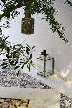 LILLA VILLA VITA Inside Outside, Rooftop Terrace, Greek Islands, Garden Furniture, New Homes, Patio, Beach Club, Ibiza, Pools