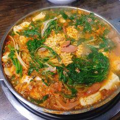 찌개 맛집 베스트 40곳 | 맛집검색 망고플레이트 Asian Recipes, Ethnic Recipes, Thai Red Curry, Food, Asian Food Recipes, Eten, Meals, Diet