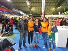 De izquierda a derecha: Javi, Idoia, Gloria, Marcela y Rosa.