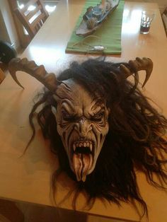 amazing Krampus head/mask? Arte Horror, Horror Art, Dark Fantasy, Fantasy Art, Halloween Masks, Scary Halloween, Satanic Art, Ange Demon, Very Scary