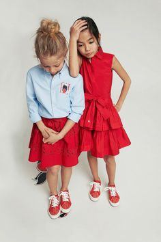 Stylish Toddler Girl, Trendy Kids, Toddler Girl Outfits, Stylish Kids, Kids Outfits, Vestidos Carolina Herrera, Ch Carolina Herrera, School Fashion, Teen Fashion