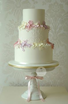 Summer Garden wedding cake | Isabelle Bambridge | Flickr