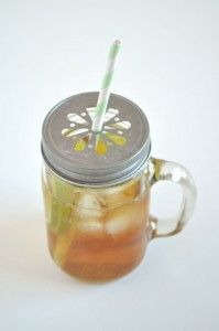 Mason handle jar, seriously would love these. I like the lid so that a straw could be put in it, but the thing I love the most is the handle...I want to throw away all of our plastic cups and use this kind of glass...a mason jar with a handle.