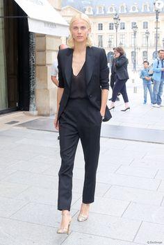 Aymeline Valade arrive au 26, place Vendôme pour la présentation haute joaillerie de Boucheron. Paris, le 4 juillet 2016 © CVS-Veeren / Bestimage