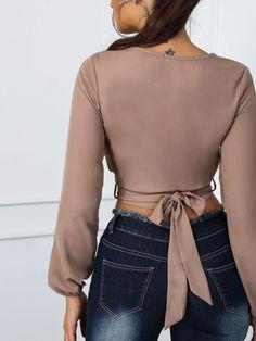 Blusa recortada con nudo en la parte delantera Prendas Elegantes efdaff8ea59