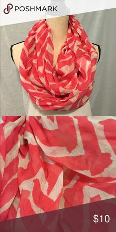 🆕 Coral & White Chevron Infinity Scarf Perfect for fall to change up any outfit! 100% polyester Accessories Scarves & Wraps