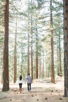 Woodsy e-sesh: http://www.stylemepretty.com/little-black-book-blog/2014/12/24/dreamy-lake-tahoe-engagement-session/ | Photography: This Love of Yours - http://thisloveofyours.com/