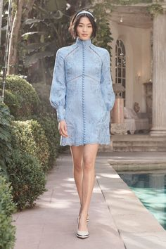 Get inspired and discover Zimmermann trunkshow! Shop the latest Zimmermann collection at Moda Operandi. Fashion Moda, Fashion Week, Fashion 2020, 90s Fashion, High Fashion, Fashion Show, Fashion Dresses, Fashion Trends, Vintage Fashion