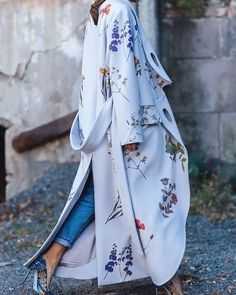 Tbilisi Fashion Week S/S 2016 street style Street Style 2016, Floral Gown, Style Snaps, Winter Wear, Ideias Fashion, Street Wear, Fashion Outfits, Fall Fashion, Street Fashion