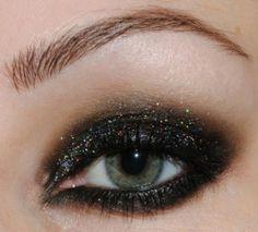 Black glitter Smokey Eyes