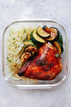 This healthy and easy Spicy chicken and cabbage with zucchini is a meal prep recipe that takes just 15 minutes to prepare! This low carb chicken and vegetables dinner is a quick and easy solution for a busy weeknight. Sauteed Cabbage, Chicken And Cabbage, Chicken And Vegetables, Spicy Recipes, Healthy Chicken Recipes, Lunch Recipes, Keto Recipes, Dinner Recipes, Skillet Recipes