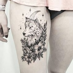 17 einzigartige Arm Tattoo Designs für Mädchen - Tattoo Trends and Lifestyle Wolf Tattoo Design, Mandala Tattoo Design, Tattoo Wolf, Wolf And Moon Tattoo, Two Wolves Tattoo, Husky Tattoo, Luna Tattoo, Small Wolf Tattoo, Wolf Tattoos For Women