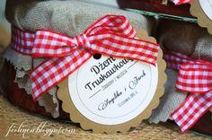 Fiolinea - Ślubna Galanteria Papiernicza: Sielskie truskawkowe wesele w Domu Chemika w Chojnowie