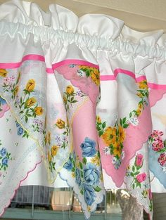 window valance with vintage handkerchiefs - like the angle, would do less gather and alternate patterned hankies with white so it's less busy Handkerchief Crafts, Sheer Drapes, Vintage Handkerchiefs, Linens And Lace, Window Coverings, Window Treatments, Vintage Looks, Vintage Stuff, Sewing Projects