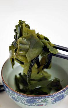 Las algas son otro interesante ingrediente que tenemos a nuestra disposición, aunque su consumo sea más popular en lugares como China, Japón o Corea. El principal atractivo de las algas …