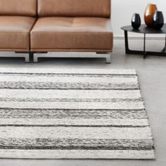 LINIE DESIGN - Handwoven rugs