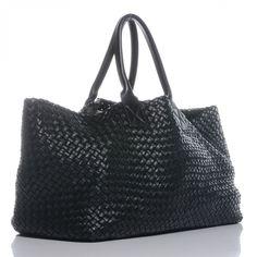 Bottega Veneta Gotta have it! Leather Hobo Handbags, Leather Bag, Handbags Online, Purses And Handbags, Big Bags, Tote Purse, Beautiful Bags, Fashion Accessories, Bottega Veneta