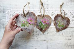 Set of 10 wild rose wedding favors wooden heart ornaments Valentines day decor Valentine gift off white pink red green brown bridal shower party boho