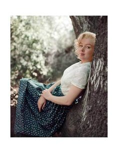 Marilyn Monroe – The Tree Sitting (TR-09) — Diamond Edition — The Archives Store | Milton H. Greene's digitally restored, photographic prints and more