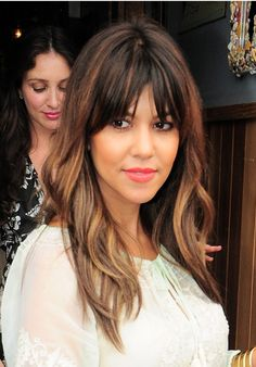 Kourtney Kardashian's Pretty Waves & Plump Peach Lips -- Get The Look