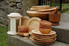 Wood tableware was common for Elizabethan Sailor, Officers and deckhands. Copies from the Mary Rose.