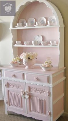 20 Shabby Chic Kitchen decor ideas for 2019 - Hike n Dip Planing to remodel your kitchen? Here is the best DIY DIY Shabby Chic Kitchen decor ideas for These Kitchen decor ideas are cute, soft and awesome. Shabby Chic Mode, Shabby Chic Pink, Vintage Shabby Chic, Shabby Chic Style, Bedroom Vintage, Bohemian Style, Chabby Chic, Vintage Mom, Vintage Grunge